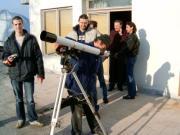 Magyar-szlovén-szlovák-osztrák szakmai tapasztalatcsere megbeszélés a Szlovák Központi Csillagvizsgálóban Hurbanovón, 2005. december 10-én. Protuberanciák megfigyelése.