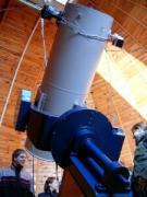 Magyar-szlovén-szlovák-osztrák szakmai tapasztalatcsere megbeszélés a Szlovák Központi Csillagvizsgálóban Hurbanovón, 2005. december 10-én. A 40 cm-es távcső.